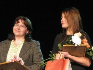 Gada skolotāja 2009 -Daiga Krišāne (latviešu valodas un literatūras skolotāja) un Gada skolniece 2009 - Elīna Miķelsone (12.komercklase)