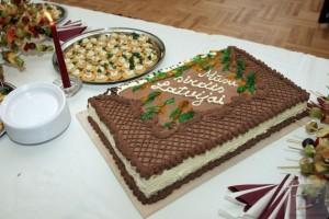 Valsts svētku kūka ar 12.klašu vēlējumu